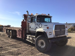 Ford LT9000 - Salvage SV-319