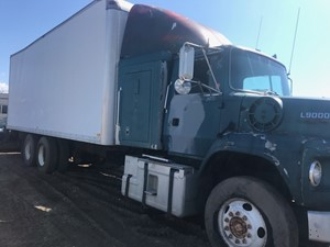 Ford L9000 - Salvage X-19LO1