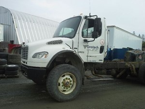 Freightliner Other - Salvage x-18F02