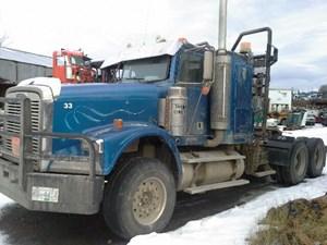 Freightliner FLD120SD - Salvage 121