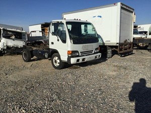 Isuzu NPR - Salvage 786