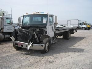 Freightliner FL60 - Salvage 533