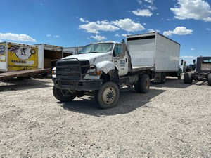 Ford F-750 - Salvage 930