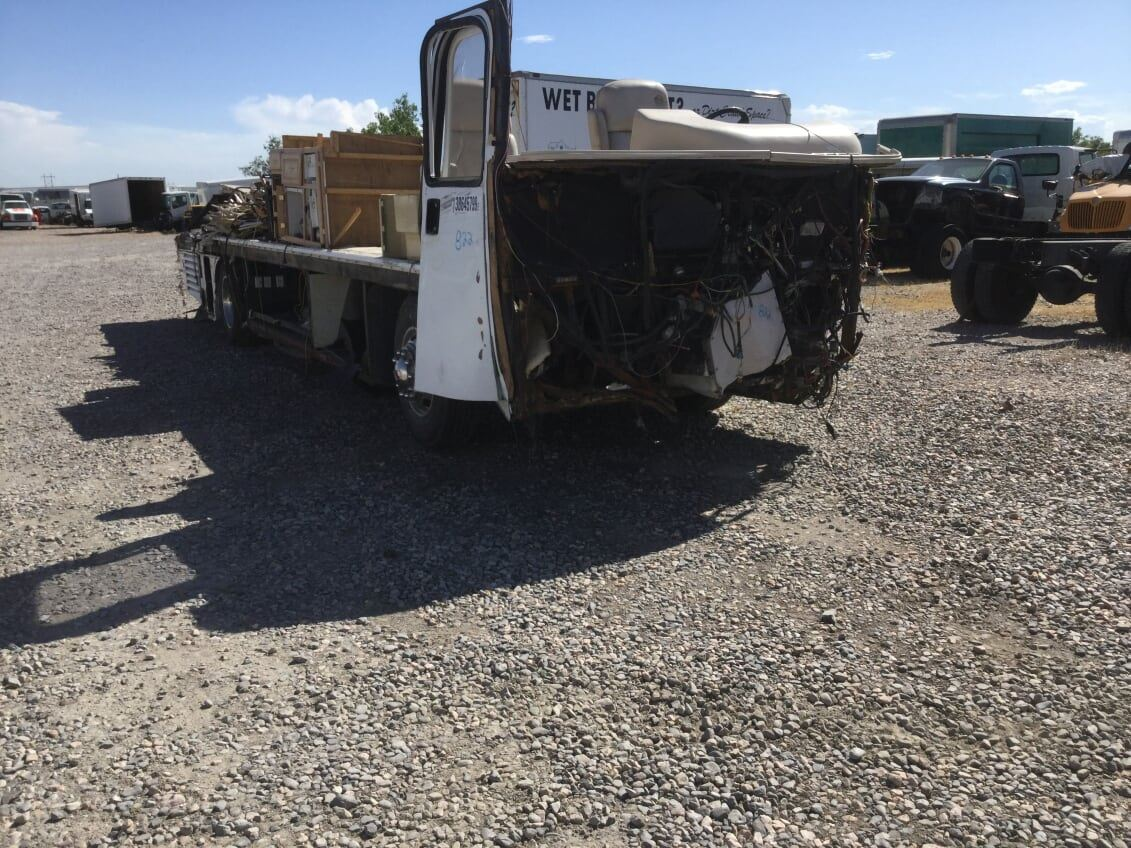 2004 Freightliner XC Chassis   TPI