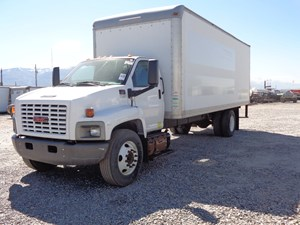 GM/Chev (HD) C7500 - Salvage 686