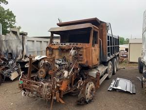 Mack CXN613 - Salvage SV-184