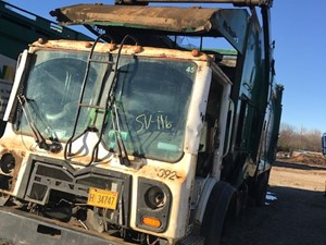 Mack MRU613 - Salvage SV-116
