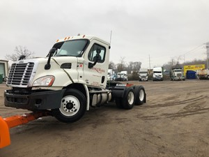 Freightliner Cascadia 113 - Salvage SV-140