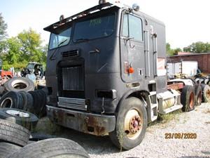 Freightliner FLT - Salvage P19016
