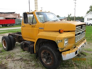 Ford F800 - Salvage P20018