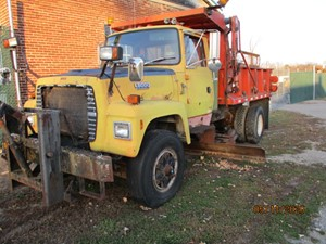 Ford L8000 - Salvage P20042