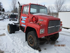 Ford LN8000 - Salvage P21002