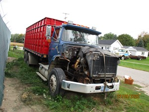 Ford LTS9000 - Salvage P19034