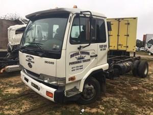 UD/Nissan UD1800 - Salvage 174-E55510