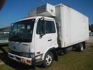UD/Nissan UD1800 - Salvage 144-H75226