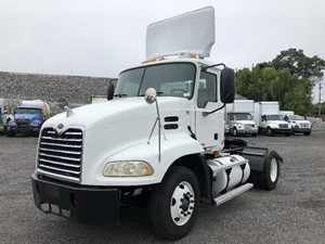 Mack CX612 - Salvage SV-2317397