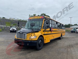 Freightliner B2 - Salvage AW0693
