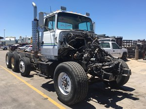 Ford LT9000 - Salvage SV-1112