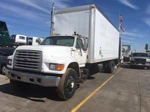 Ford F800 - Salvage SV-1016