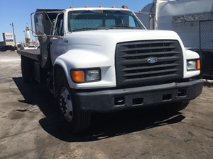 Ford F-800 - Salvage SV-1456