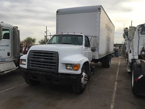 Ford F800 - Salvage SV-1040