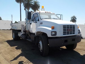 GMC C7500 - Salvage SV-1782