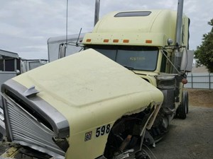 Freightliner FLD132064T CLASSIC - Salvage SV-1383