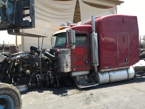 Peterbilt 379 - Salvage SV-1105