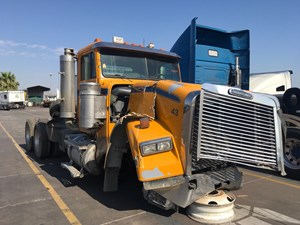 Freightliner Classic 120 - Salvage SV-1122