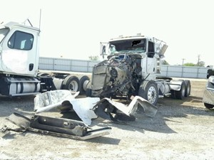 Kenworth T800B - Salvage SV-1713
