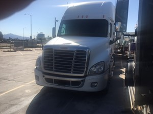 Freightliner Cascadia 125 - Salvage SV-1714