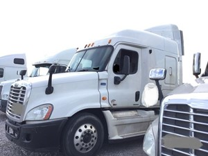 Freightliner Cascadia 125 - Salvage SV-1722