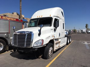 Freightliner Cascadia 125 - Salvage SV-1042