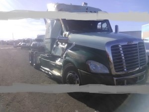 Freightliner Cascadia 125 - Salvage SV-1762