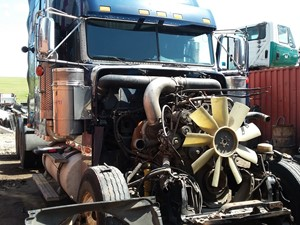 Freightliner Classic 120 - Salvage H491