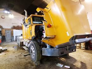 Freightliner FLD120SD - Salvage ETP548