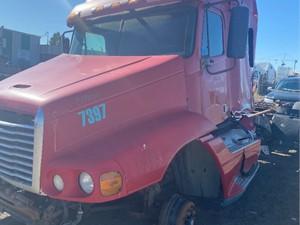 Freightliner ST120 - Salvage ETP1047