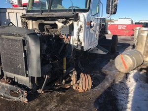 International 9200I - Salvage ETP921