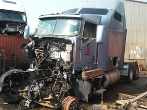 Kenworth T600 - Salvage H509