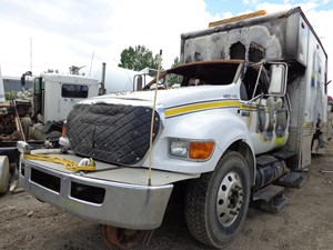 Ford F750 - Salvage YD2H054
