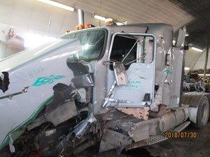 Kenworth T800 - Salvage H502