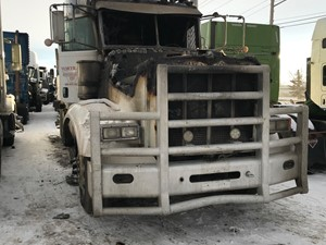 Peterbilt 367 - Salvage ETP722