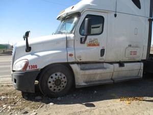 Freightliner Cascadia 125 - Salvage H457
