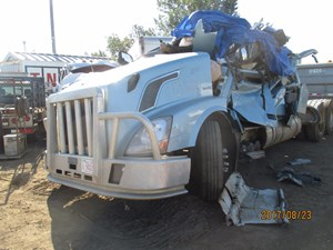Salvage Heavy Duty Volvo Trucks | TPI