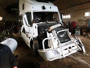 Volvo VNL - Salvage ETP614