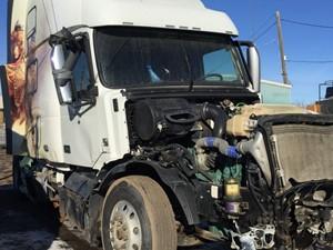Volvo VNL - Salvage ETP590