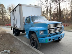 Ford F700 - Salvage T-SALVAGE-2001