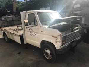 Ford Econoline - Salvage T-SALVAGE-2123