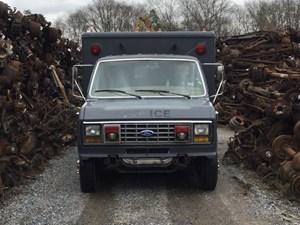 Ford Econoline - Salvage T-SALVAGE-1237