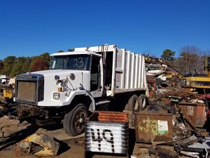 Autocar ACL64 - Salvage T-SALVAGE-1052